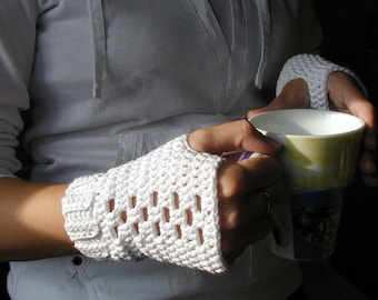 White Fingerless Gloves PDF Crochet Pattern