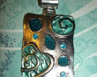 SQUARE ENAMELED PENDANT on silver chain