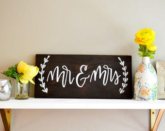 Mr and Mrs Sign | Mr and Mrs Wedding Sign | Bride and Groom Sign | Mr and Mrs Wood Sign | Mr and Mrs Table Sign | 8x16 | Wedding Decor