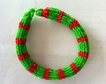 Rainbow Loom CHRISTMAS BRACELET.  Made In 6 Point Hexafish Design, 7 Inches.  Very Festive Bracelet.