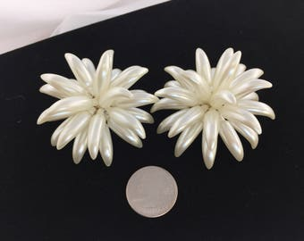 Vintage, Large, White Chrysanthemum, Lucite, Iridescent, Retro,  Earrings