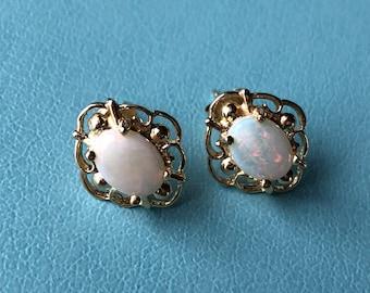 Vintage Opal Earrings 14kt Gold
