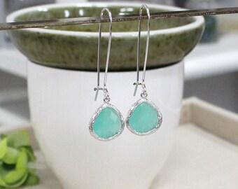 Mint earring, Dangle Earrings, Drop Earrings, stone in twisted bezel, bridesmaid gifts, wedding jewelry, glass earring, mint