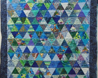"""Patchwork quilt and its matching pillow, """"dive"""""""