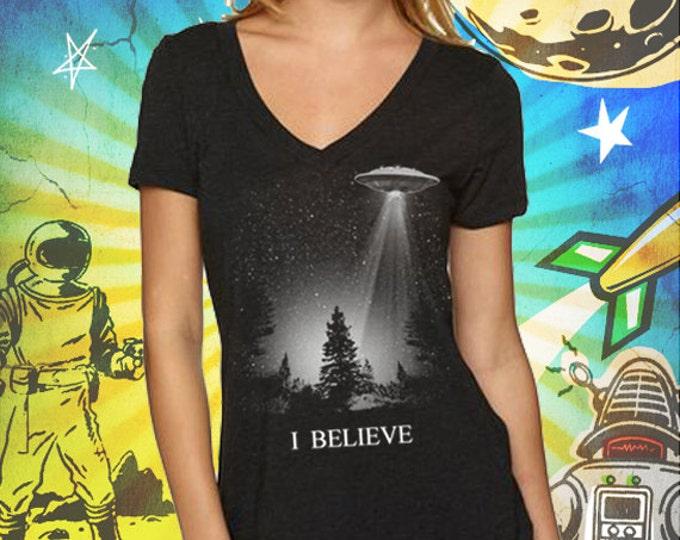 The X-Files / I Believe UFO / Women's Vintage Black Deep V-Neck T-Shirt