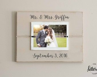 Wedding picture frame, Personalized Mr. and Mrs Picture Frame with date, Mr. & Mrs. frame, distressed