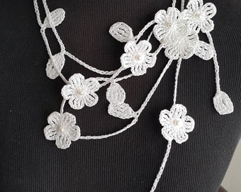 Crochet Necklace,Crochet Neck Accessory, Flower Necklace, White, 100% Cotton.