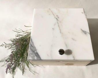 Calacatta Marble Sliding Box