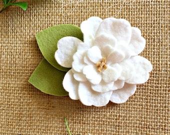 White Felt Flower White Brooch Tumble Wash Felt Flower Camellia Felt Jewelry White Felt Fashion Accessory Wedding Boutonnière