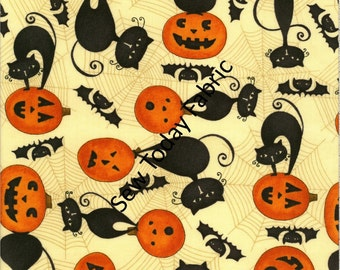 Scaredy Cats - Cats on Pumpkins Tan - Wilmington Prints Q1862-67510-198 (sold by the 1/2 yard)
