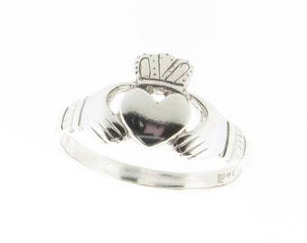 Sterling Silver Claddagh Ring - UK Sizes K - R - US Sizes 5 - 8.5