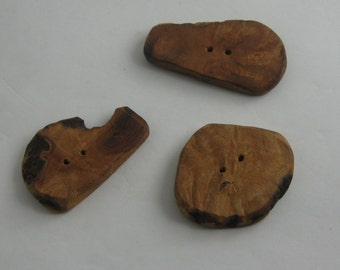 Strawberry tree WOOD buttons. Handmade. 3 pieces buttons from precious strawberry tree wood. VINTAGE