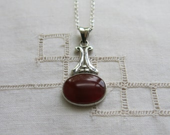 Carnelian and silver pendant necklace