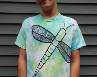 Dragonfly T-Shirt, Custom Tie Dye Shirt w Dragonfly, Dragonfly Shirt, Nature Lover, Naturalist, Insect Lover, Bugs, Dragon fly, entomologist