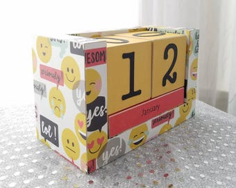 Perpetual Calendar, Wooden Block Calendar, Handmade Calendar, Emoji Faces, Smile Face, Girl Bedroom Decor Handmade, Heart Eyes, Cry Eyes