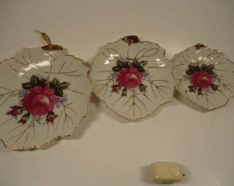 Set of 3 porcelain wall hanging plates