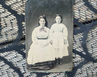 Antique tintype photo of 2 fasionable victorian young mother and daughter wearing all white sixth plate