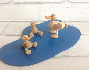 Rare Cute Wooden Duck Pond Toy- Vintage Retro Wood Collectible Ducks Set