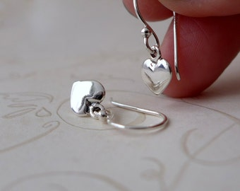 Heart jewelry. Sterling silver tiny heart earrings. Corazoncitos