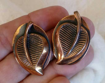 "1950s Solid Copper 1 1/4"" Leaf Design Clip-on Earrings - Vintage"