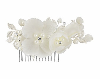 White bridal hair comb, floral hair comb, white wedding hair accessory,  crystal and pearl headpiece, bridesmaid hair comb, prom headpiece