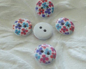 CLOVER WOODEN BUTTON BLUE AND RED
