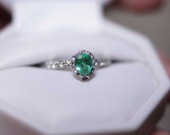 14K White Gold Kelly Green Pear Shaped Emerald and Diamond Ring
