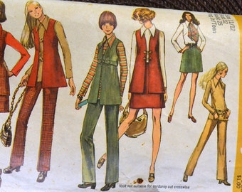 Vintage 1970's Sewing Pattern Simplicity 8924  Junior Vest, Mini Skirt, Blouse and Pants Bust 32 Inches Complete