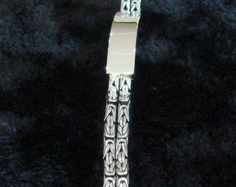 Double  bali chains with middle part  clasp with safety