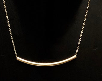 Gold Tube Curve Bar Necklace
