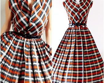 Vintage 1950's Fit and Flare Dress | 1950's Shirtwaist Dress | 1950's Plaid Swing Dress |