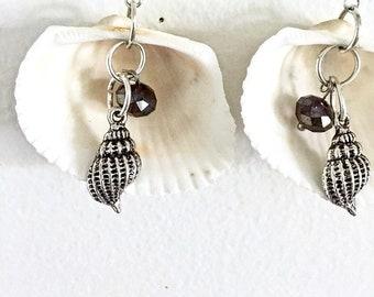Seashell Earrings, Conch Earrings, Beach Earrings, Charm Earrings, Dangle Earrings