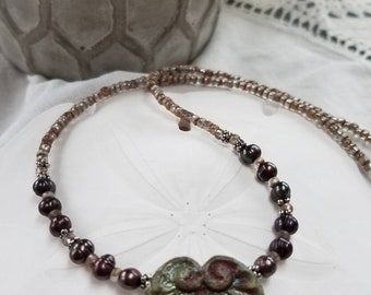 SALE ... Plum pearl necklace with pendant