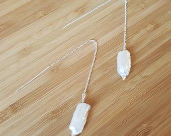 Pearl threader earrings, white pearl earrings, pearĺ drop threader earrings, modern pearl threader earrings, natural pearl threader earrings