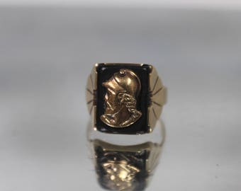 10k - Vintage Art Deco Mens Roman Soldier Cameo Black Onyx Ring in Yellow Gold - Size 10.25