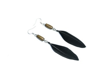 Witch jewelry Witchcraft earrings Real bone earrings Black feathers Occult jewelry Wiccan jewelry Tribal earrings Organic earrings Gothic