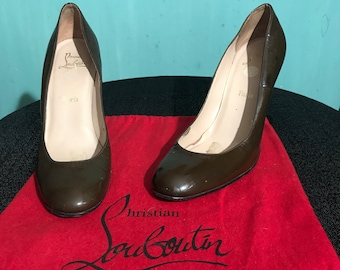 Christian Louboutin 10.5-11 (41) Olive patent leather stiletto pumps with history...;-)