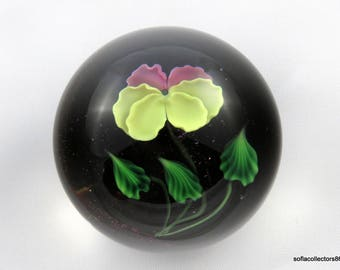Lundberg by Daniel Salazar Single Pansy Lampwork Paperweight 1990