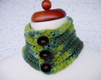 Neckwarmer, cashmere and silk, buttoned neckwarmer, cashmere neckwarmer, green neckwarmer, crochet neckwarmer, crochet collar