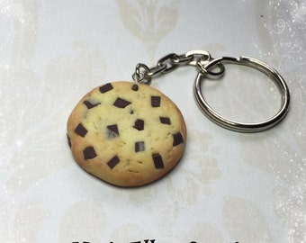 Chocolate chip cookie keychain, food keychain, miniature food jewelry, cookie keychain, polymer clay cookie charm, best friend necklace