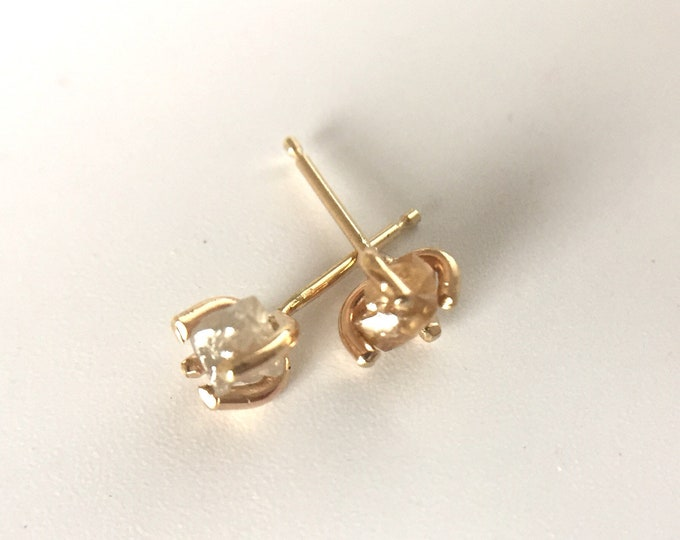 Rough diamond studs in 14k yellow gold