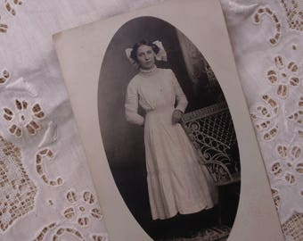Vintage Photograph of Woman, Oval Picture, Ephemera, Journaling, Scrapbooking, Victorian, Edwardian
