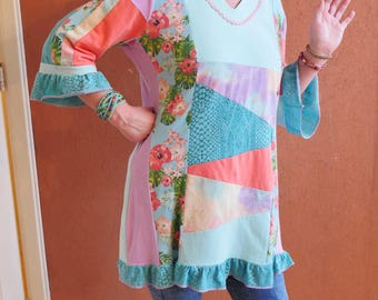 colorful patchwork tunic in turquoise and pink in size M-L made of upcycled materials hippie flowerpower style