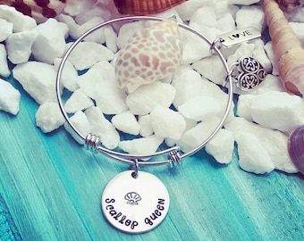 Scallop Queen © Bangle Bracelet | Scallop Season Jewelry Gift | Scalloping Bracelet Gift | Female Angler Gift | FisherWoman | Girls Who Fish