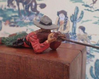 Wild West Elastolin toy figurine (1940/50's) Cowboy lying down in firing position