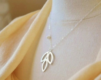 Silver Leaf Necklace- Modern Necklace, Dainty Silver Necklace, Minimalist Jewelry, Leaf Pendant Necklace, Silver Leaf, Simple Jewelry