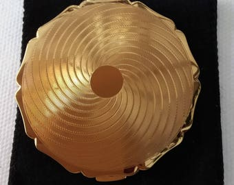 Stratton gold tone Queen compact 1970s powder compact with sifter, vintage handbag accessory.
