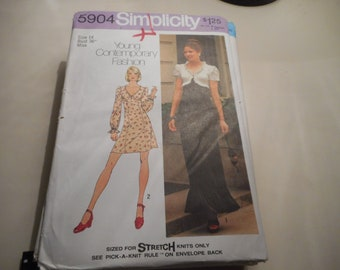 Vintage 1970's Simplicity 5904 Dress Sewing Pattern Size 14 Bust 36