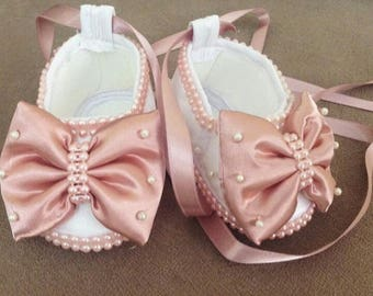 Pink birthday shoes | Rhinestoned baby shoes | Pink baby shoes with bowknots