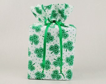 St. Patrick's Day Kleenex Box Holder/Tissue Box Cover, Shamrocks Bathroom Decoration, Irirsh/Celtic Bathroom Accessories.